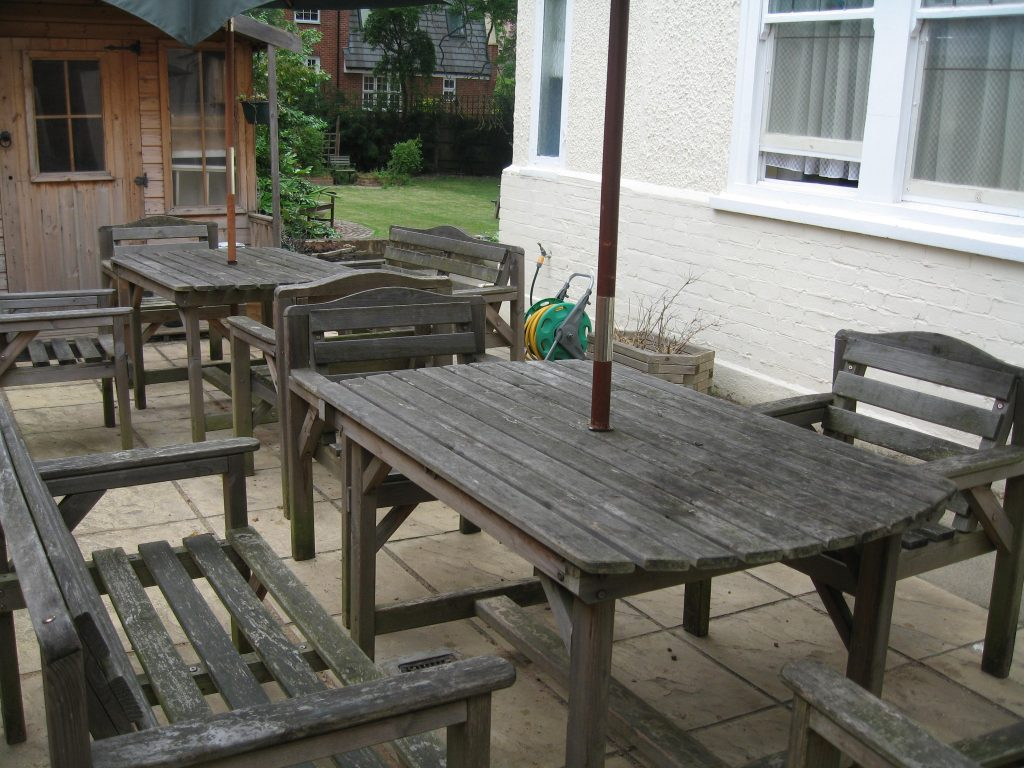 Albion Road has an outdoor seating area